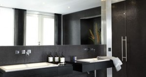 plafond-badkamer-kunststof-modern-330x174-300x158